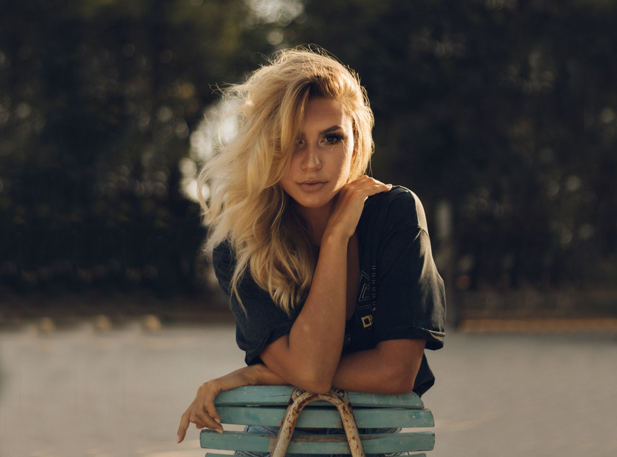 American blonde girl with middle wave hair
